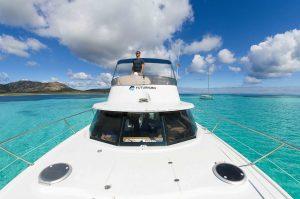escursione giornaliera catamarano