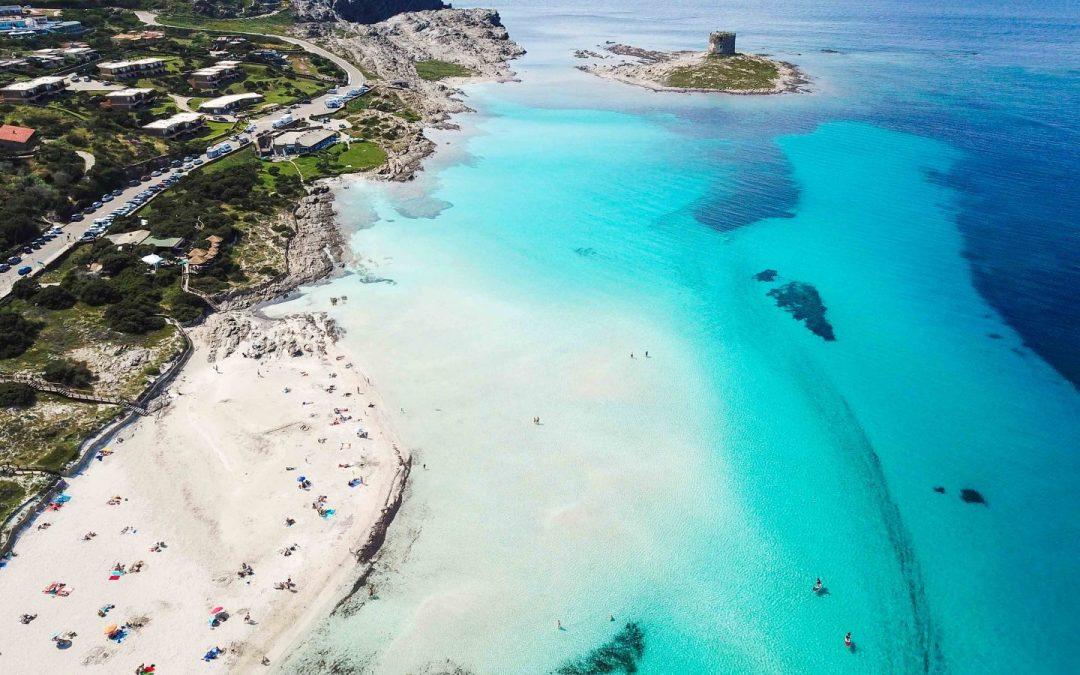 Stintino, La Pelosa: numero chiuso e ticket per salvare la spiaggia